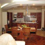 современный дизайн кухни гостиной с перегородкой фото