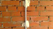 Нужно ли использовать маяки, выравнивая стены штукатуркой