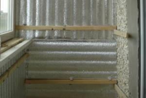 Как и чем лучше утеплить балкон на зиму