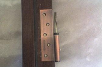 Углубление для петель в двери с помощью фрезера
