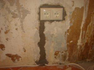чем заделать штробу в стене