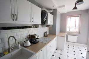 ремонт кухни кафелем