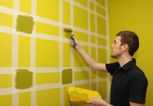 покраска стен с малярной лентой