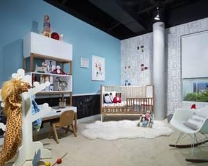 Стена для наклеек в комнате маленького ребенка