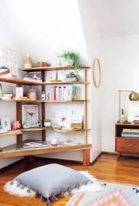 отделка углов в дизайне квартиры полки