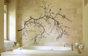 Рисунок на стене в ванной в виде ветки