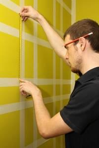 как красить стены с малярным скотчем