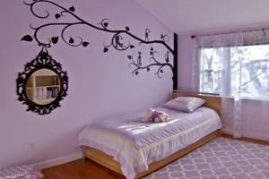 Покраска стен комнаты для девочки в сиреневый цвет